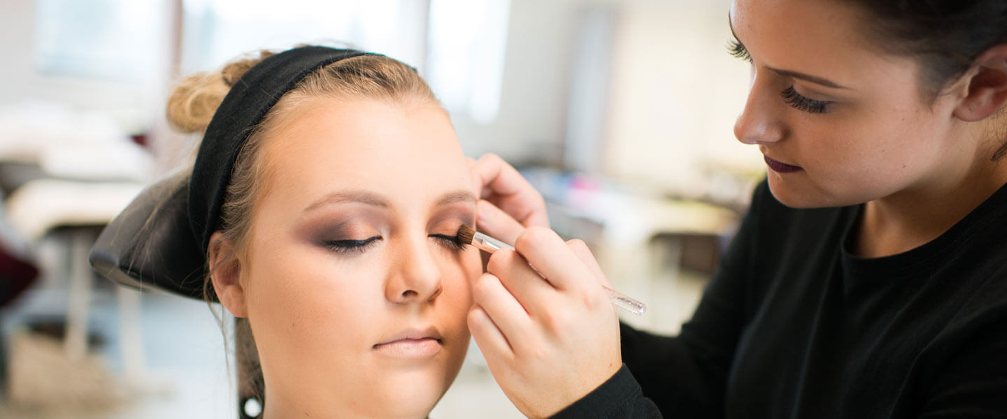 Beauty Therapy Treatments Level 3 Full time Barnsley College