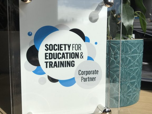 Barnsley College begins new partnership with the Society for Education and Training (SET)